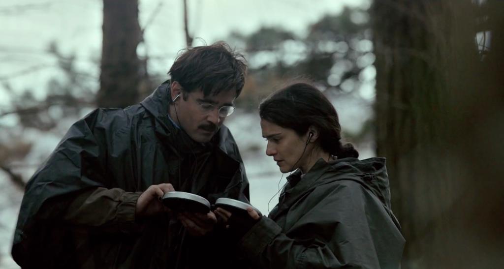 Los personajes de Colin Farrell y Rachel Weisz deben encontrar métodos poco ortodoxos para poder comunicarse sus sentimientos.