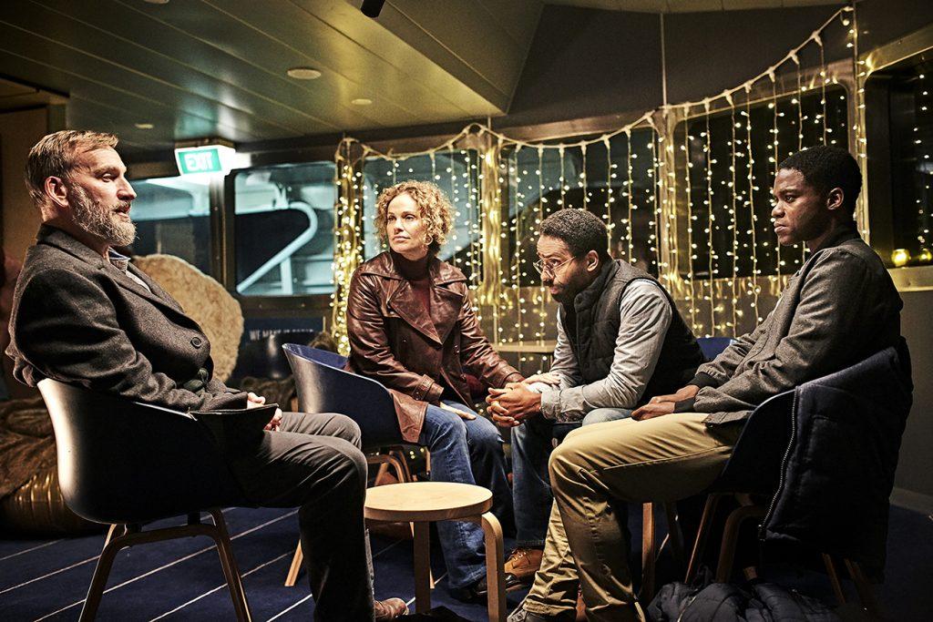 Matt, Laurie, John y Michael se embarcan en una misión de rescate.