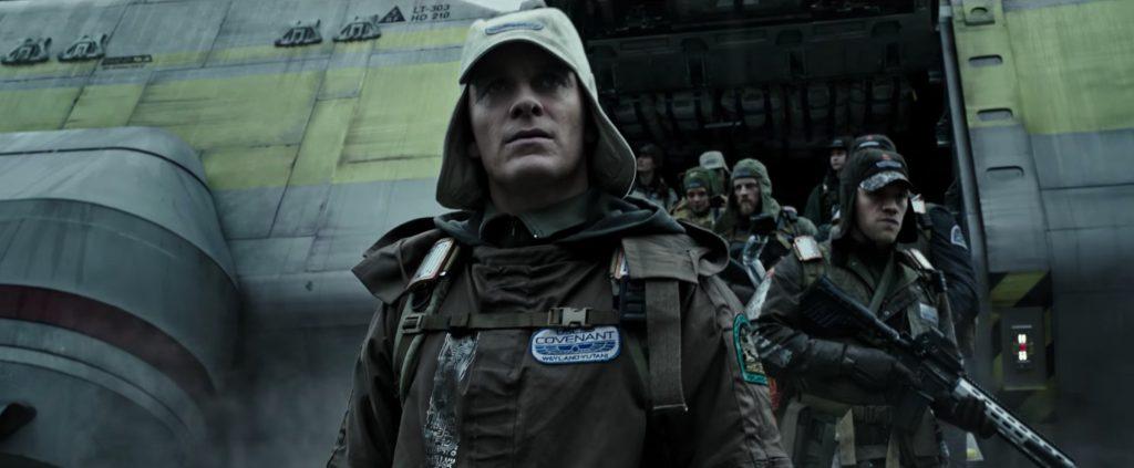 En esta ocasión Michael Fassbender no interpreta a un robot, sino a dos. La nueva incorporación es Walter.