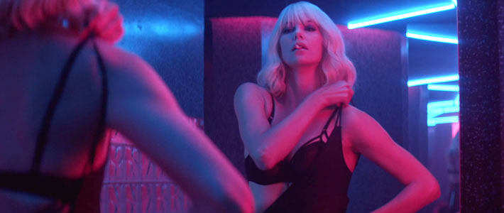 La estética colorida y retro de Atomic Blonde