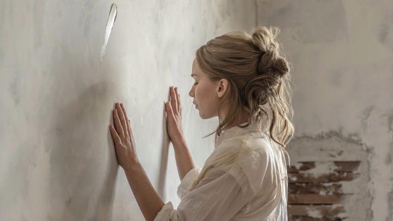 """Jennifer Lawrence es la """"madre"""", protagonista absoluta de la película"""