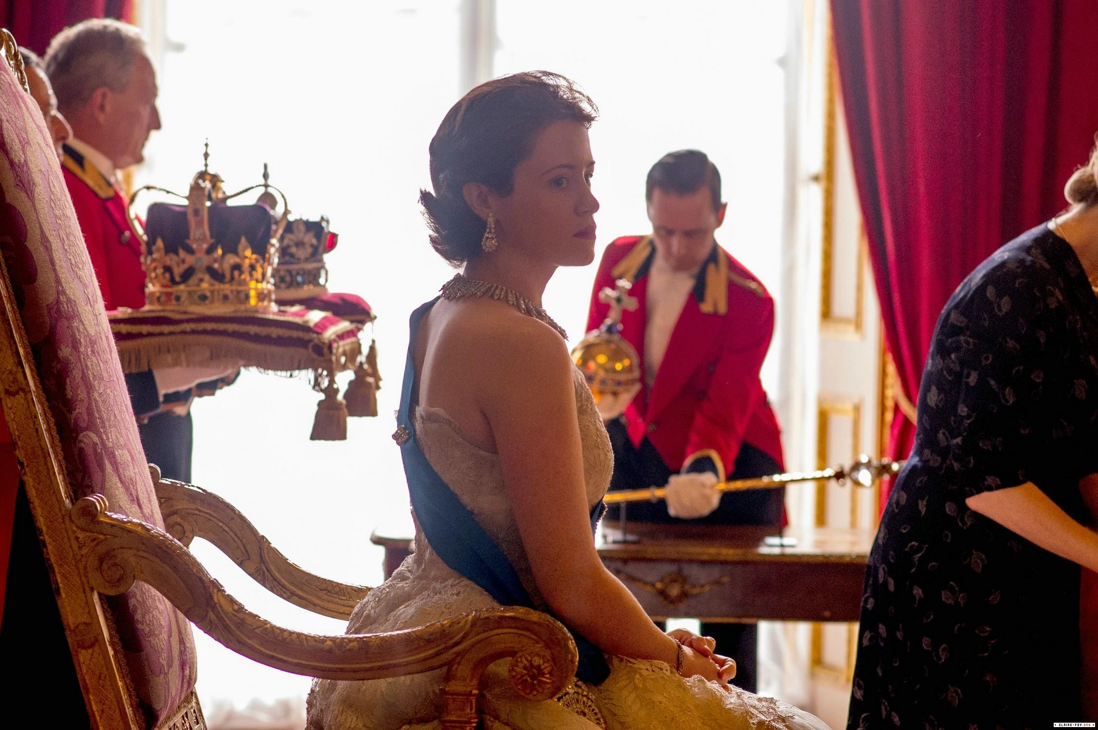 Claire Foy como la reina Isabel II en The Crown