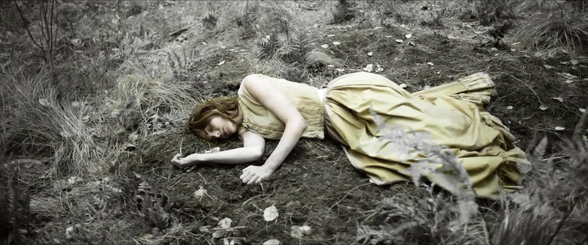 Secuencia onírica del pasado de Alice Fletcher con una exquisita fotografía