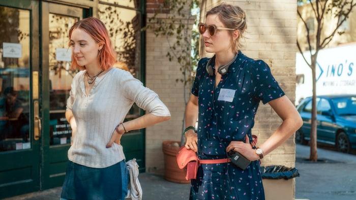 Greta Gerwig dirije a Saoirse Ronan en el set de Lady Bird
