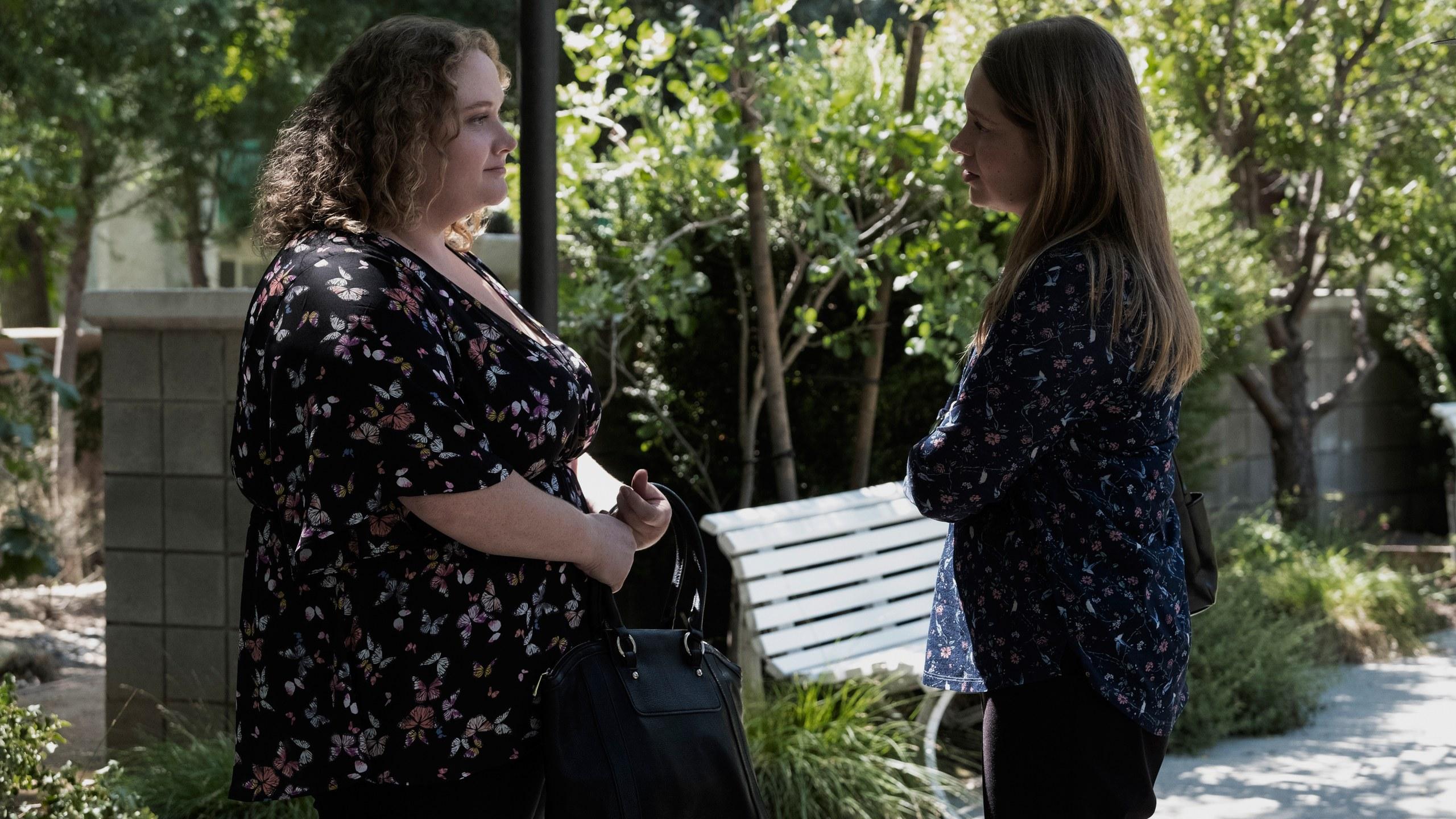La detective Karen Duvall en una de sus entrevistas con Amber Stevenson